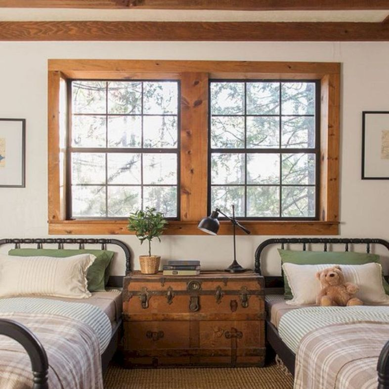 Kusen jendela kamar dari kayu