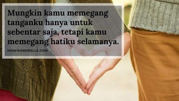 Kata Kata Cinta - Memegang Tangan Dan Memegang Hati untuk Selamanya-min