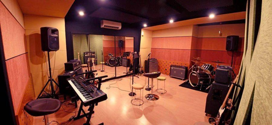 peluang membuka studio musik
