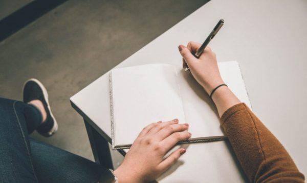 Hal Sederhana untuk Otak Tambah Cerdas - Menulis Ide