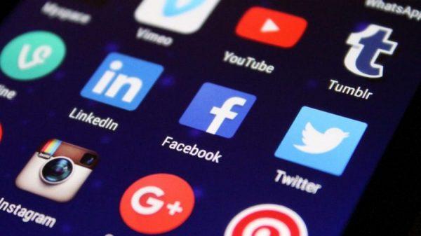01 - memanfaatkan media sosial
