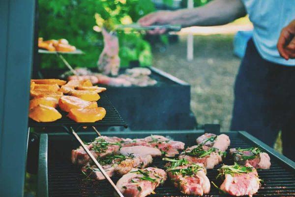 Ide Liburan Seru di Rumah: Pesta Barbeque