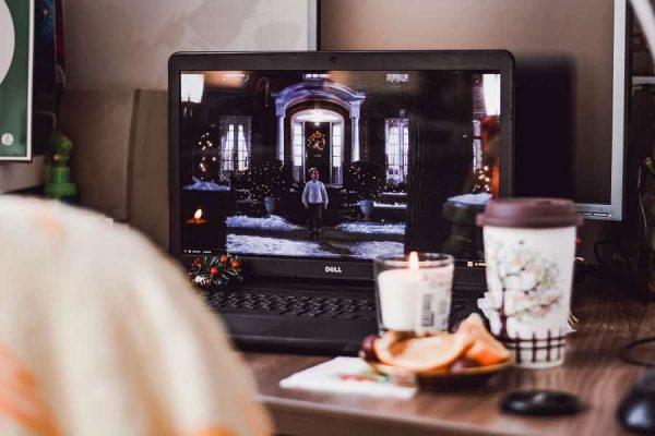 Ide Liburan Seru di Rumah: Movie Marathon