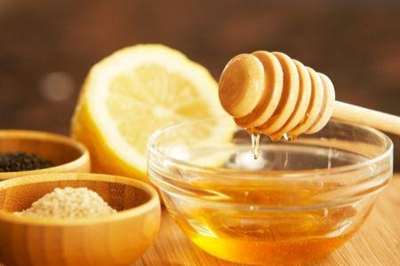 cara mengobati amandel tanpa operasi dengan menggunakan madu dan lemon