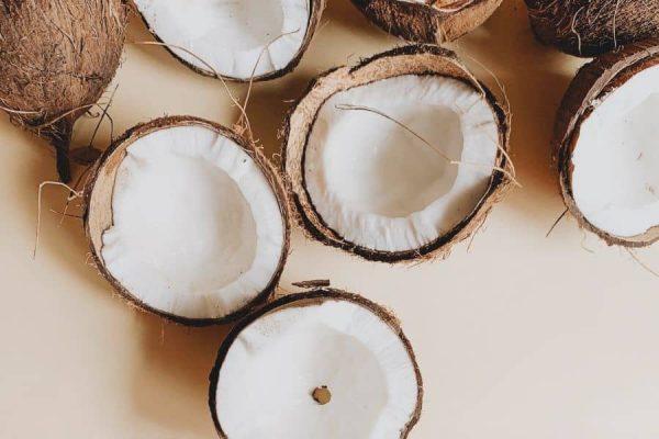 cara mengobati kulit kering dengan menggunakan minyak kelapa
