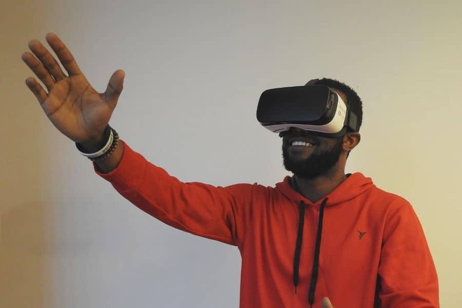 tips memilih kacamata VR yang cocok untuk Anda