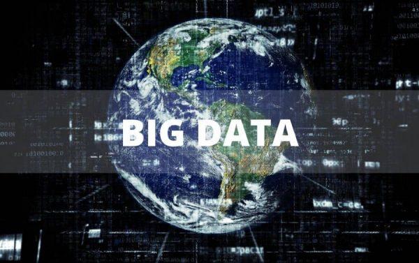 big data untuk mengumpulkan dan menganalisa data sehingga dapat mengambil keputusan cerdas secara cepat