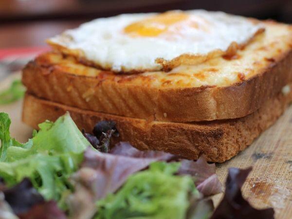 sarapan pagi sehat dengan roti bakar