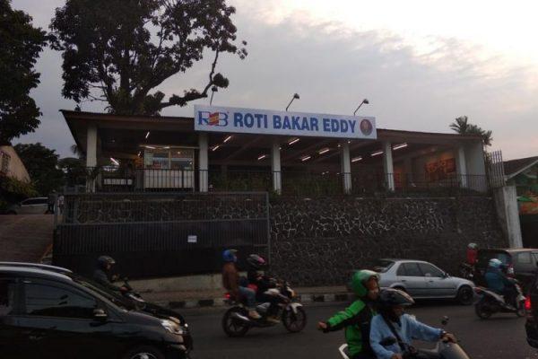 Tempat Kuliner Malam Enak di Jakarta: Roti Bakar Eddy