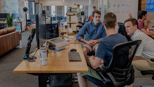 tips menjadi karyawan terbaik adalah memberi masukan tanpa diminta