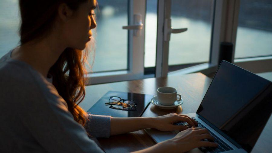 Aplikasi Terbaik Untuk Bantu Kamu Bekerja Remote Dari Rumah